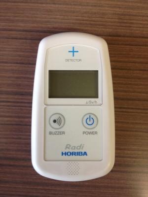 新機種の小型放射線測定器